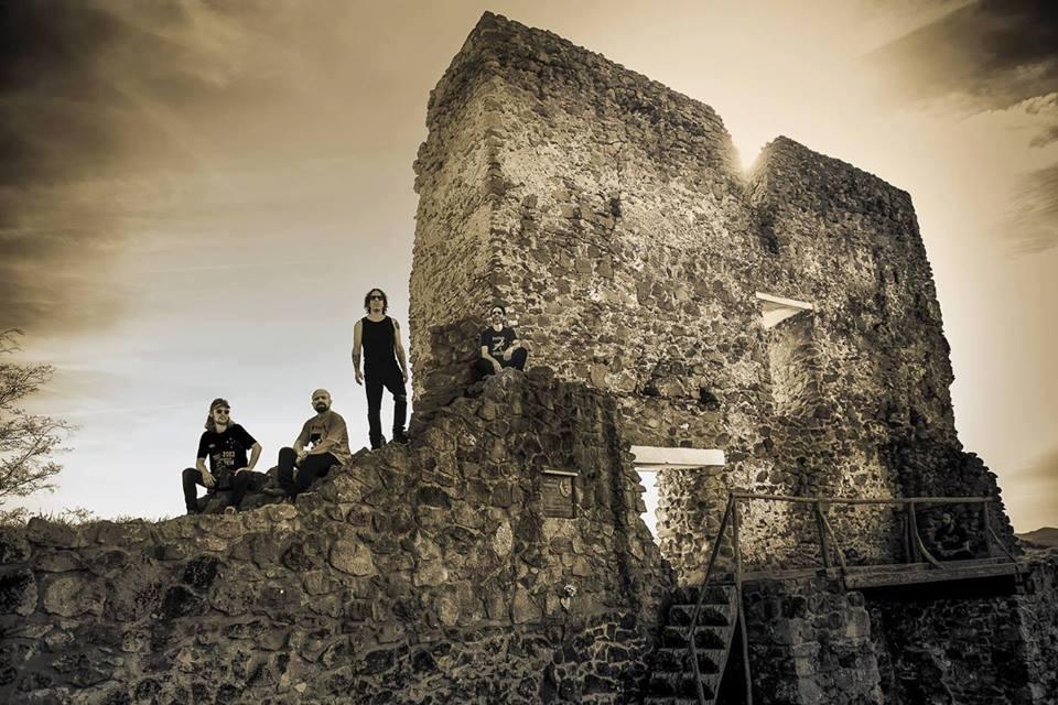 Seu Juvenal: banda volta ao triângulo mineiro depois de turnê europeia e também promove oficina de produção musical gratuita
