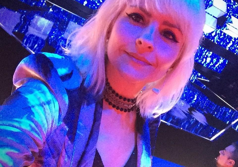 """Juh Leidl, vocalista do Freesome, de volta como jurada na segunda temporada do programa """"Canta Comigo"""" da TV Record"""
