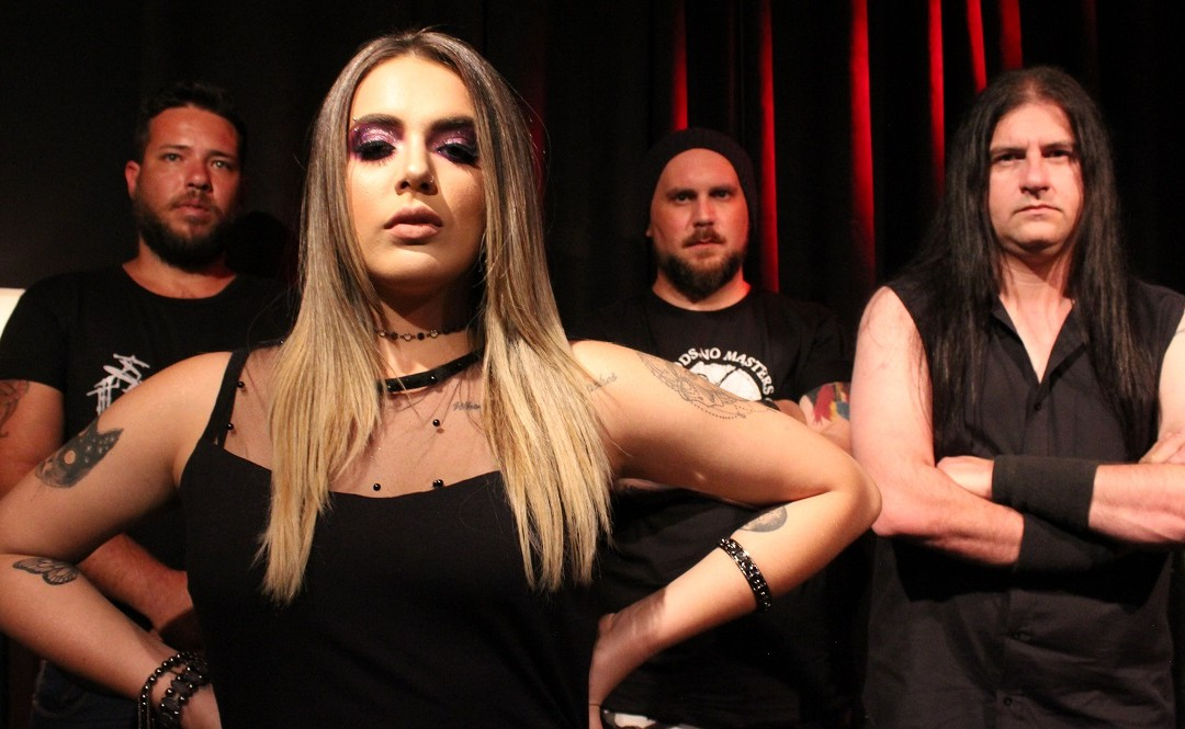 "Ignispace e Ciça Moreira, finalista do ""Canta Comigo Teen"" da TV Record, regravam música do Amaranthe"